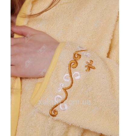 Халат женский короткий с капюшоном Ramel желтый